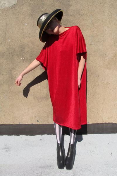 фото красное платье 3