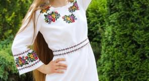 Вышитое платье –сто лет в моде!